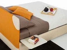 mensole comodino mensola comodino per letto plano homeplaneur