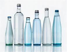 mineralwasser die unerwartete renaissance der glasflasche