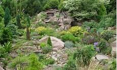 Hanggarten Garten Und Pflanzen Garden Hillside Garden