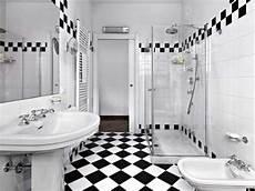 sostituire la vasca da bagno con una doccia quanto costa togliere una vasca e mettere un box doccia