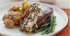 Steak Mit Pfefferso 223 E Bratkartoffeln Und Bohnen Rezept