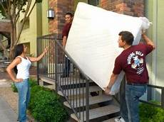 Apartment Helpers Chicago by Moving Help Providers Need The Important Details Moving