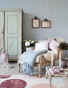 shabby chic wohnzimmer 66 romantische einrichtungen