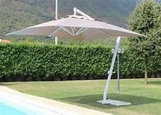 ombrelloni per terrazze ombrellone da giardino pegasos palo bianco telo tortora