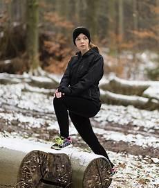joggen im winter mit der richtigen sportkleidung
