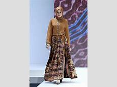 "Ida Royani ""West to East"", Indonesia Islamic Fashion Fair"