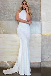 Sex in white dress