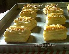 Ting Ting Gepuk ida s amandel brood pastry isi kacang