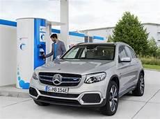 wasserstoffautos modelle 2018 風力発電の電力で作った水素を燃料電池車に 2018年にドイツ ヘッセン州で試験施設が稼働 電気 燃料電池自動車