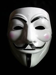 Populer Gambar Orang Memakai Topeng Anonymous