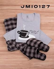 pin en pijamas