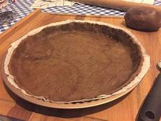crostata al cacao con crema pasticcera crostata al cacao amaro con crema pasticcera e scaglie di cioccolato fondente una vera delizia