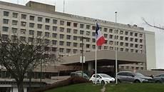 La Roche Sur Yon L H 244 Pital Recrute Douze Infirmiers Et