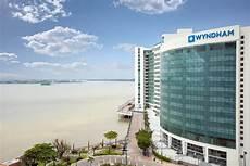 hotel wyndham guayaquil con booking com