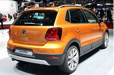 169 Automotiveblogz Volkswagen Crosspolo Geneva 2014 Photos