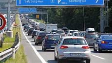 Reiseverkehr Stau Bei Der Grenze Am Walserberg Krone At