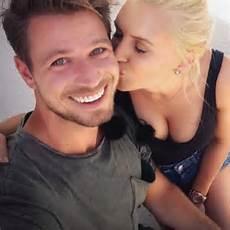 Bachelor 2017 Der Erste Kuss F 252 R Sebastian Pannek Intouch