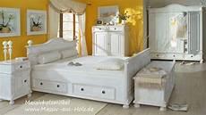 schlafzimmer ideen landhausstil schlafzimmerm 246 bel im landhausstil