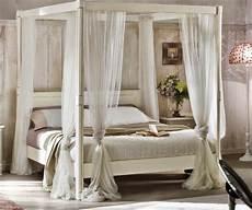 letto baldacchino bianco bellissimo letto matrimoniale a baldacchino in legno