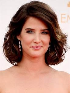 short hairstyles for thick brown hair cobie smulders short haircut dark brown curly bob
