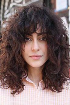shag hairstyles haircuts that have an approach for every hair length and texture my