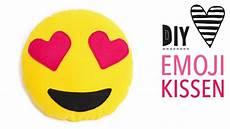 emoji kissen mit herzaugen n 228 hen kostenlose vorlage zum