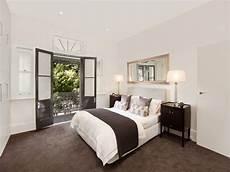 modern bedroom design idea with carpet doors