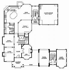 u shaped house plans single level unique u shaped home with open and airy living area plan