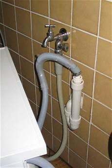 waschmaschine und spülmaschine an einen wasseranschluss die waschmaschine selbst anschlie 223 en