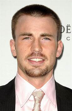top 20 elegant haircuts for guys with square faces