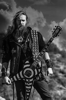 zakk wylde zakk wylde quot i would play with ozzy if he asked he is family quot sofa king cool magazine