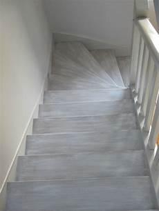 peinture meuble bois interieur decoration d interieur peinture d un escalier tendance