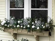 blumenkästen dekorieren winter ideas for a winter window box bless my weeds