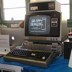 photos apple ii clones an eniac emulator and more from vintage computer festival east xi