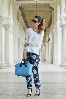 pantaloni a fiori fashion primaverile bloom