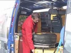 changement de pneu a domicile comment utiliser l 233 quilibreuse unite u820 tyre bay d doovi