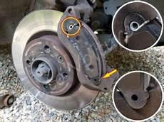 plaquettes de frein avant comment les remplacer sur un