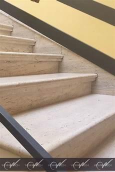 terrassenplatten auf treppe verlegen hochwertige travertin crema treppe die vorderkante ist