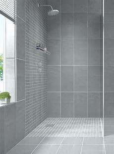 Best Bathroom Wall Tile by Best 25 Small Bathroom Tiles Ideas On