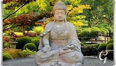 statuen für den garten gro 223 er buddha sitzend steinskulptur sila gartentraum de