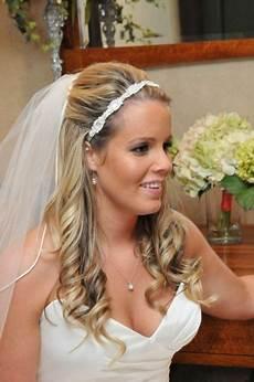 Brautfrisuren Mit Schleier Und Diadem Halboffen