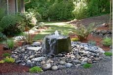 wasser ideen für den garten wasserfall im garten selber bauen 99 ideen wie sie die harmonie der natur genie 223 en