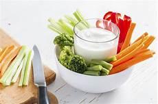 dip für gemüsesticks simple and easy the worlds best yogurt dip