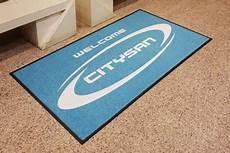 tappeti personalizzati con logo zerbini personalizzati asciugapassi e tappeti