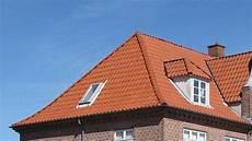 fenetre qui sort du toit