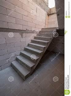 Structure En B 233 Ton De Ciment D Escalier Dans Le Buildin