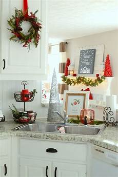 Decorations In Kitchen by 26 Cozy Kitchen D 233 Cor Ideas Shelterness