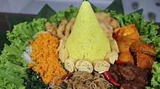 Cara Membuat Tumpeng Nasi Kuning Yang Mudah Dan Murah
