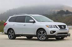 nissan pathfinder 2016 2016 vs 2017 nissan pathfinder what s the difference autotrader