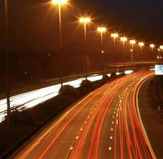 Stromsparzwang Belgien Schafft Teure Autobahn Beleuchtung